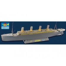 Trumpeter 03719 - RMS Titanic + LED 1/200