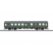 Marklin 41330 - DB Umbauwagen 2. Klasse mit Gepäckraum BD4yge