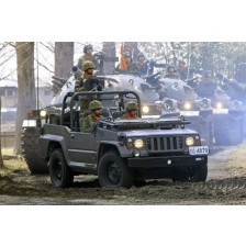 Trumpeter 05519 - JGSDF type 73 Light Truck (Recon)