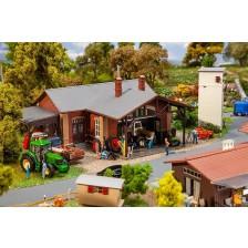 Faller 130579 - Werkplaats voor landbouwmachines
