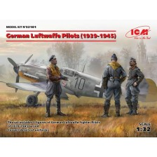 ICM 32101 - German Luftwaffe Pilots (1939-1945) (3 figures) 1/32