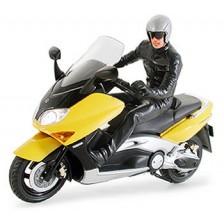 Tamiya 24256 - Yamaha TMAX with Rider Figure 1/24