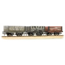Bachmann 37-095A - 7 Plank Wagons Coal Trader Triple Pack