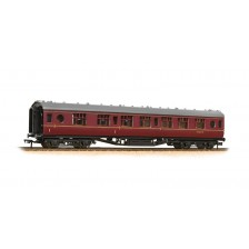 Bachmann 39-466 - 60ft ex-LMS 'Porthole' composite corridor M24639M in BR maroon