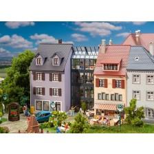 Faller 130707 - Rij kleine stadshuizen