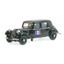 SAI 6171 - Citroën Traction 11A 1935, noire, drapeau français avec croix de lorraine